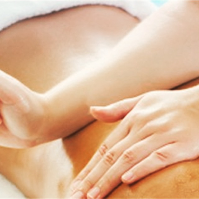 90 minute back massage with essential oils
